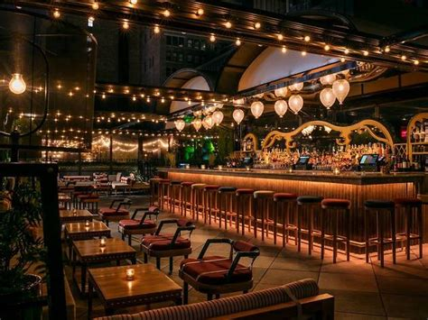 Magic Hour Rooftop Bar & Lounge at Moxy Times Square